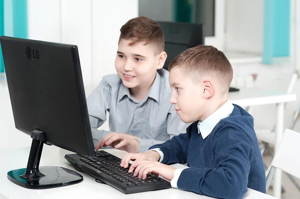 Обучение программированию для школьников