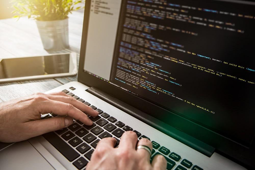 Освоение навыков программирования на техническом факультете в НАДиП