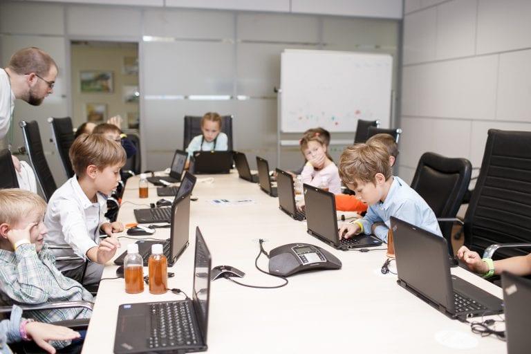 Обучение программированию с нуля для детей в Новосибирске