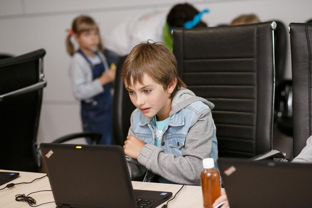 Школьники могут освоить web дизайн для начинающих в Академии Новосибирска